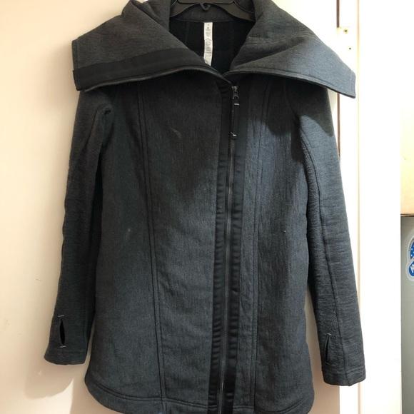 lululemon athletica Jackets & Blazers - LULULEMON winter coat, size 4